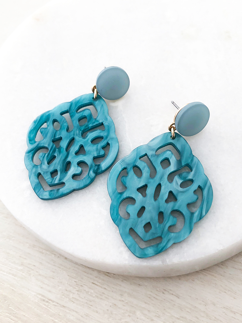 STATEMENT OORBELLEN MET RESIN ORNAMENT - TURQUOISE - N19SS047a - ZATTHU JEWELR